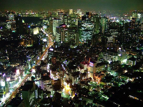 與在東京鐵塔看下去的夜景比較起來,有過之而無不及