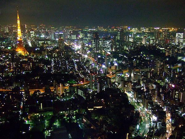看過台場、東京鐵塔、東京都廳的夜景,但我覺得他們都輸給了這裡