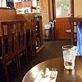 晚餐沒著落,於是我又回到高田馬場找吃的,誤闖入一家冷清的店