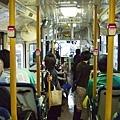 在東京都坐公車耶,好酷喔~目的地是渋谷 200円
