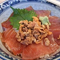 這次吃海膽鮪魚丼,海膽好乾啊...失算! 800円