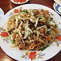 胡溜大哥第一件事就是帶我去吃...中式餐館...=口=