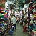 這裡很像曼谷的Chatuchak,但要再傳統很多很多....