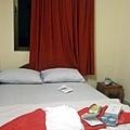 我們今晚的小房間 single room $usd8一晚