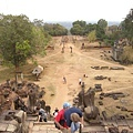 建於巴肯山頂上的巴肯寺,東西南北向都有階梯可爬,這裡是東邊