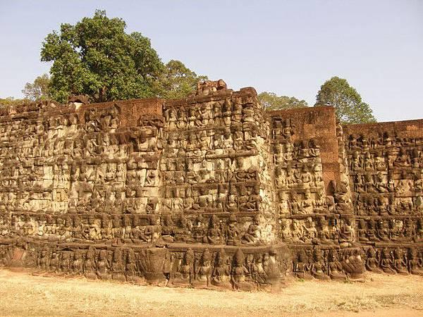 痲瘋王台,推測是賈耶跋摩七世感染了痲瘋病所以建造並住此處