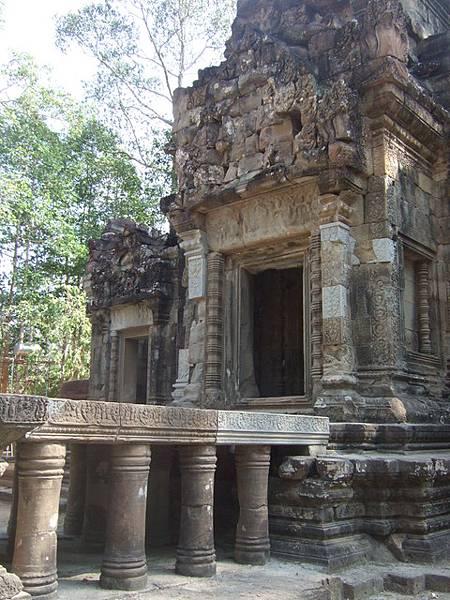 它和對面的Thommanon一樣是十二世紀的神廟建築