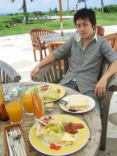 豐盛的早餐,土司可以再續唷!