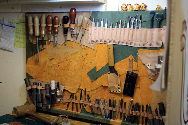 瞧瞧他的工具有多齊全,似乎是很難接近的世界。