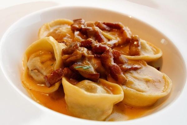 主廚做的義大利手工餃,培根什麼的