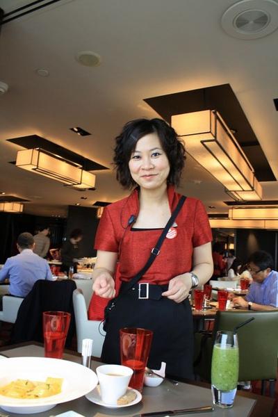 能用優惠價格在如此高檔餐廳享受超值消費,全要感謝這位正妹啊!