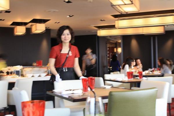 我們的一今在台北辛苦工作的模樣眾姐妹都看到了!加油~