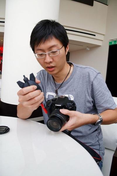 18小咪強力推薦,說是相機沾上灰塵時噴一噴就乾淨溜溜
