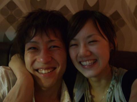 還是去了鑽石樓。今天Ryo工作時曬傷了,笑得真可愛!!
