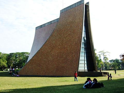 東海最有名的教堂,我在這裡殺光一卷半的底片