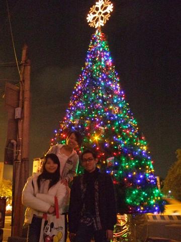 鮮豔的聖誕樹