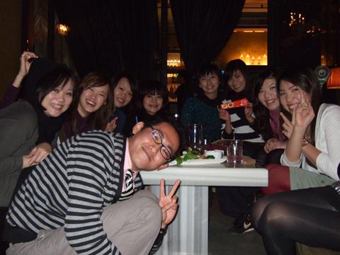 最後總共來了14個人喔~目前有10人。愛蜜莉只有腿入鏡!哈哈