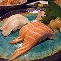 握壽司的肉也很大塊,若要認真吃個幾個其實就很飽了說