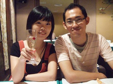 餐前氣泡水,來~cheers!!