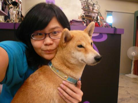 可惡~Yumi還是最愛老大!有人發現老大瘦了嗎?水喔~