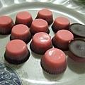 顏色超粉嫩的草莓巧克力口味