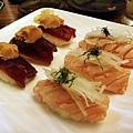 鮪魚+南瓜泥握壽司40/粒 ﹠炙鮭握壽司30/粒