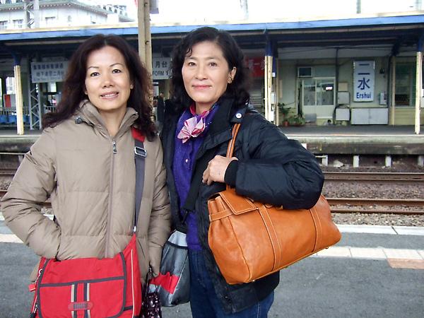 2/17 大年初四坐火車與媽喵 三伯母一同去日月潭玩,要先在二水轉集集線
