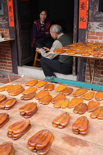 又回到老街上,賣烏魚子的老夫妻是個好題材。