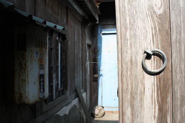 被指引往桂花巷前進,沿途中仍有住人的舊房子