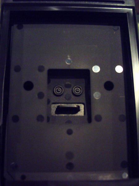 拍立得底片匝裡住著一位機器人