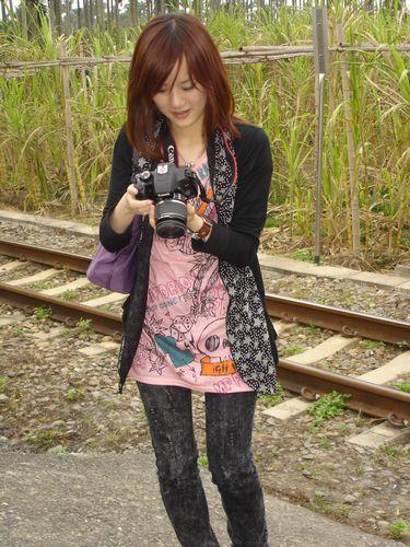今天我依舊是最稱職的攝影師角色啊~