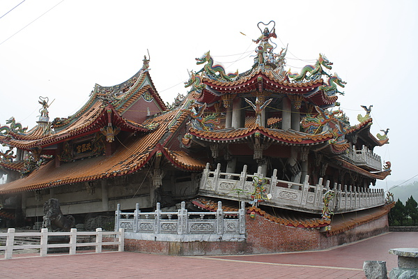 來到九二一大地震時被震毀的武昌宮遺址,留著讓人們記得曾經有過這麼件事