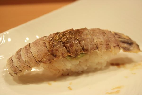 微炙蝦蛄,雖然蝦蛄也好吃但就味道而言沒有留下很深的印象
