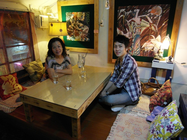 晚上預約了一間據說(店門口的宣傳招牌寫的)是台南最好吃的米其林等級義大利麵店