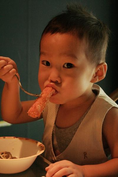 小希希吃雞柳圖