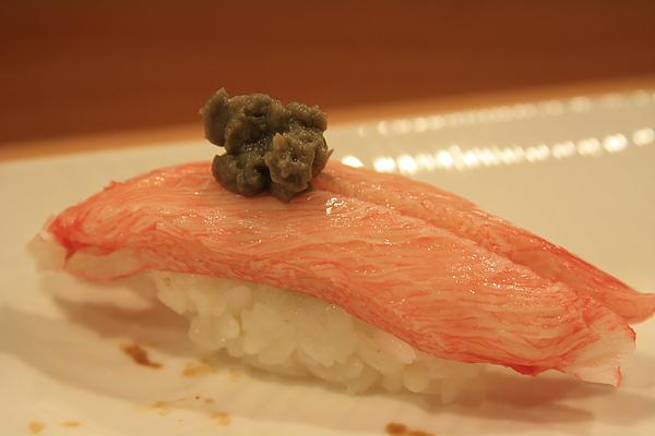 松葉蟹膏搭蟹腿肉(2條),蟹肉味道清甜,蟹膏口感濃郁,一個字 讚!