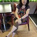 壽星剛才在某間店大大大血拚完!!!!! 獲得六張免費西雅圖咖啡券~等咖啡中