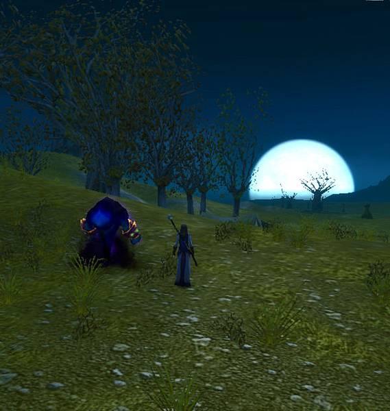 又大又圓的月亮啊XD