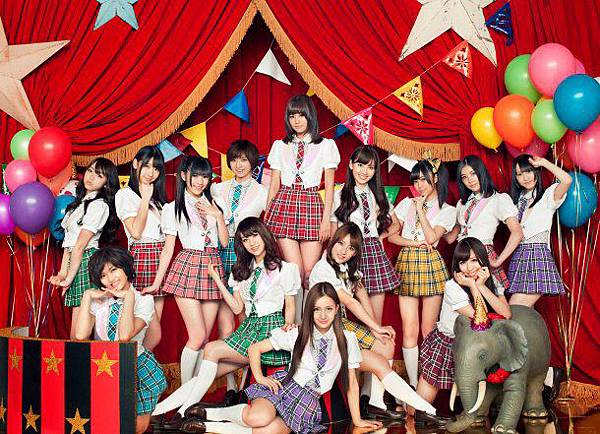 AKB48_art_2011april.jpg