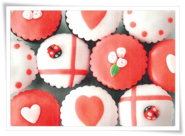 rosa cupcakes.jpg