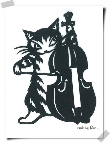 拉大提琴的達洋 黑.jpg