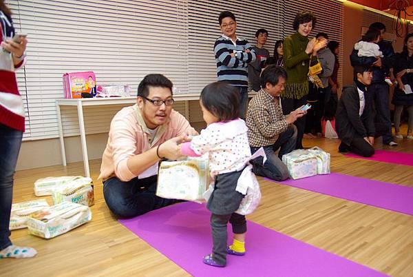 愛麗生盃寶寶搬尿布比賽
