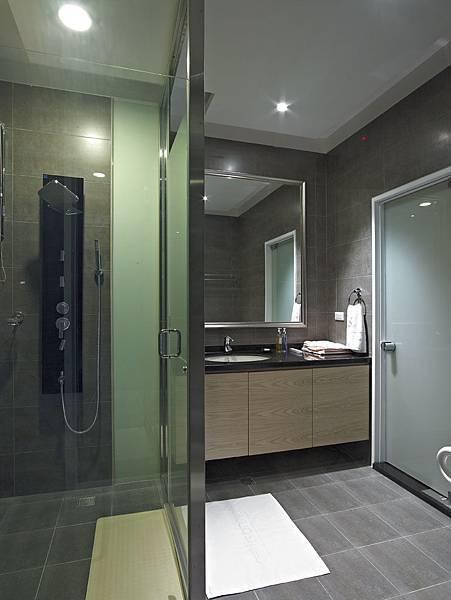 愛麗生婦產科客房衛浴採乾濕分離.jpg