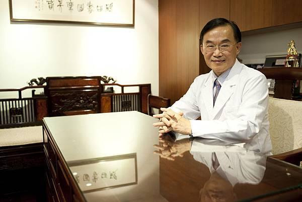 愛麗生婦產科潘俊亨醫師.JPG