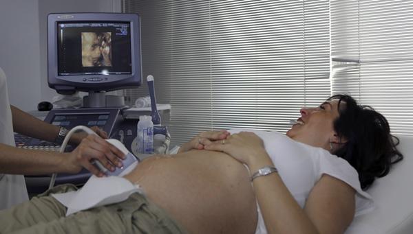 中西月子觀念大不同|國外產檢、坐月子、生產分娩,重點注意事項