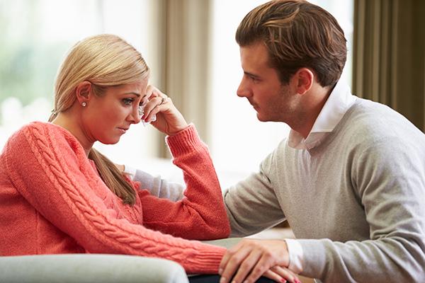 產後憂鬱症找上門?!產後情緒起伏大,家人關心有助紓解產後憂鬱症