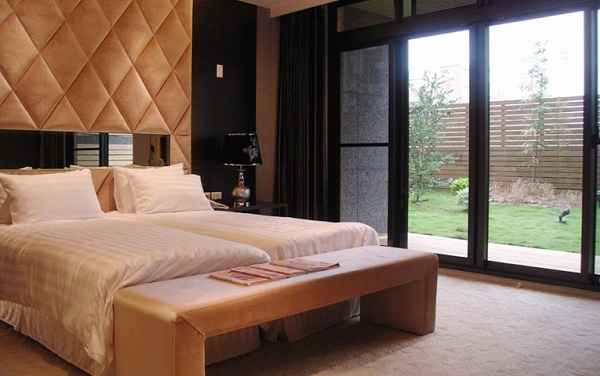 愛麗生產後護理之家提供多款豪華舒適套房,宛如世外桃源心靈獲得釋放。