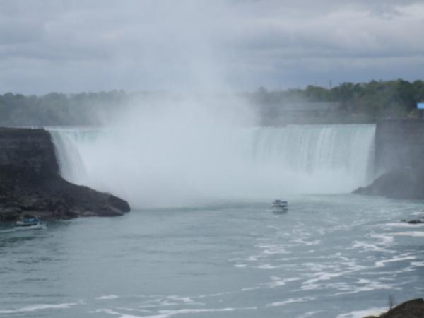 這就是尼加拉瀑布也叫馬蹄瀑布
