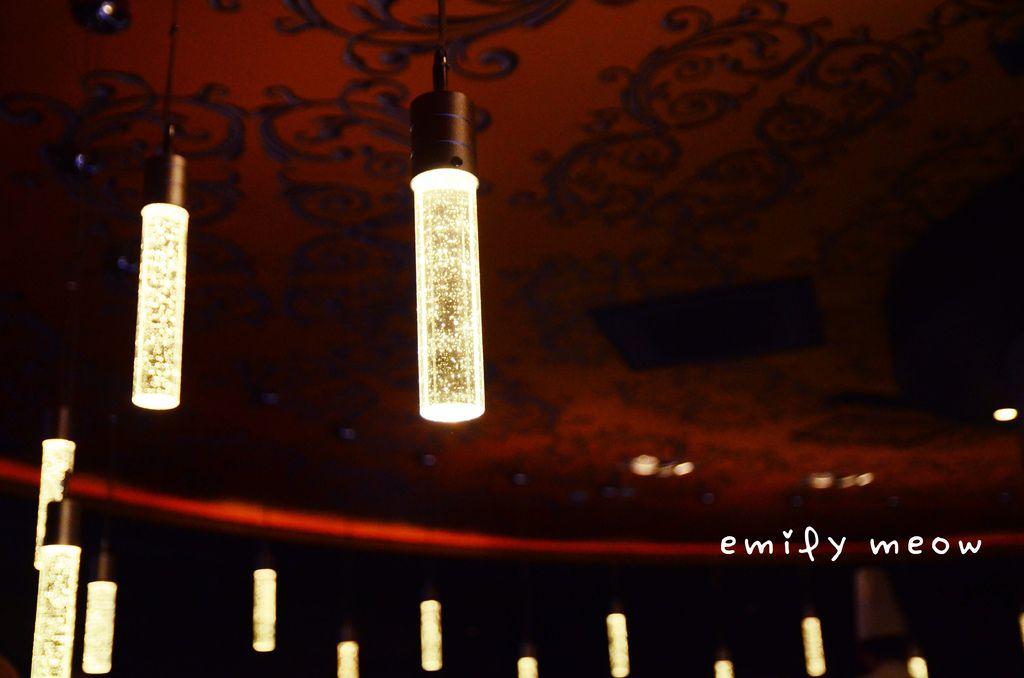 EMI_7084