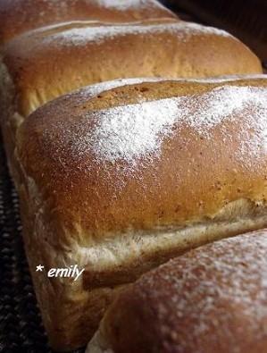 990502 花與麵包 001.jpg